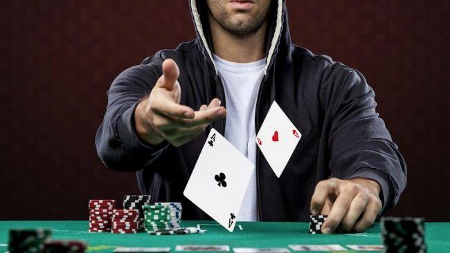 Тузы в покере