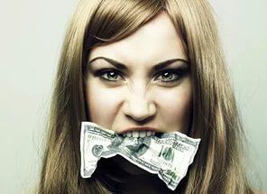 Деньги в букмекерской конторе Марафон